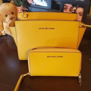 Brand New Michael Kors purse and wallet!